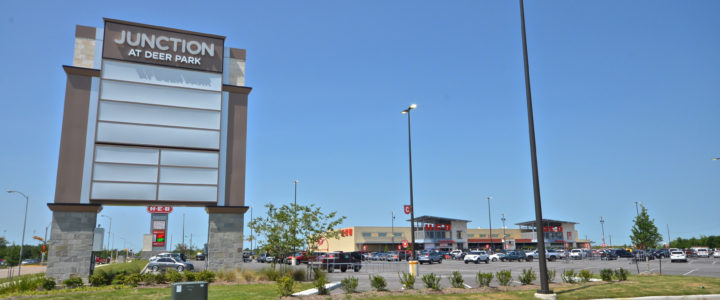 Shopping Center in Deer Park, Texas